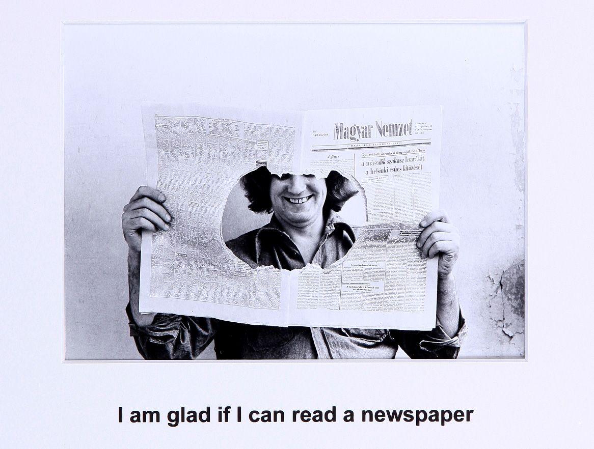 Endre Tót I am glad if I can read a newspaper