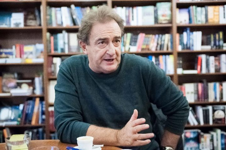 Olvasólámpa Turczi István költő, íróval